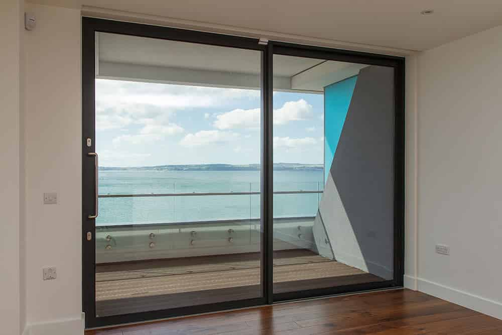 aluminium patio door reading